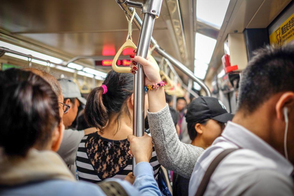 満員電車の通勤