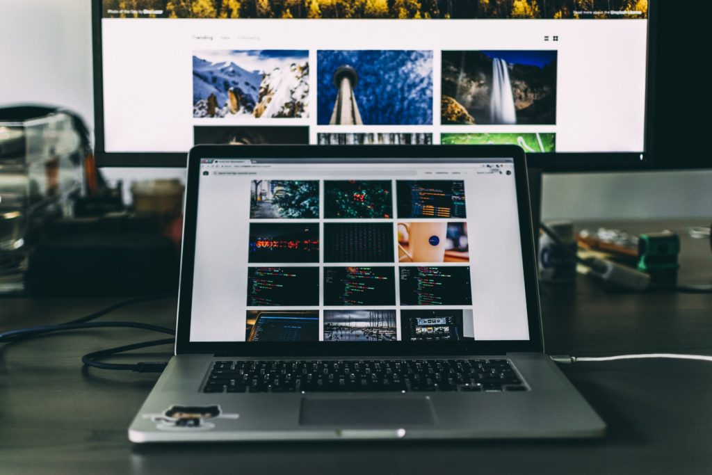 MacBookとモニター