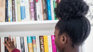 本と女の子