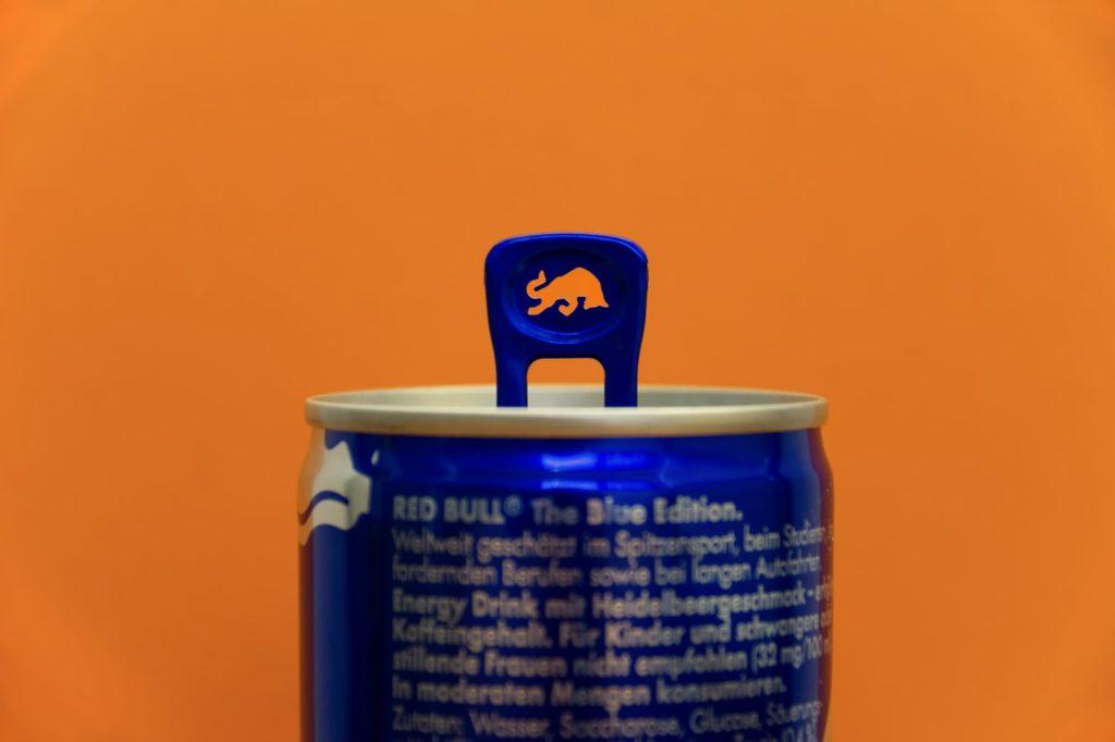 レッドブル缶