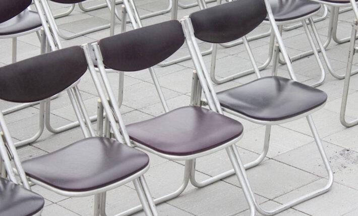 七つの会議 パイプ椅子